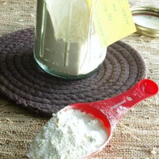 Condensed Soup jar w scoop 680px