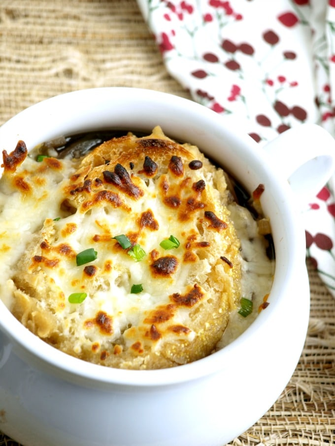 Crock Pot French Onion Soup can be made with little fuss in the crock pot for an amazing soup that is sure to please the whole family.