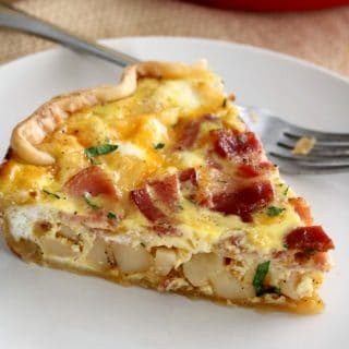 This Bacon and Potato Quiche is a hearty and filling breakfast or brunch your family will enjoy. #Breakfast #Quiche #Brunch #Recipes
