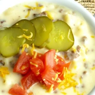 Cheeseburger Macaroni Soup Close Up 680px