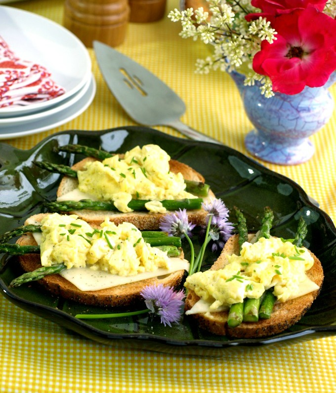 Scrambled Egg and Roasted Asparagus Toast | Kitchen Dreaming