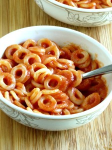Homemade Spaghettios are simple to make and uses under 10 ingredients and no high fructose corn syrup or other fillers. It can be made gluten free as well.