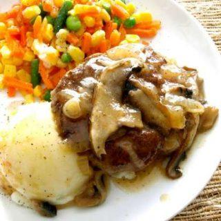 Salisbury Steak Close up 550 1