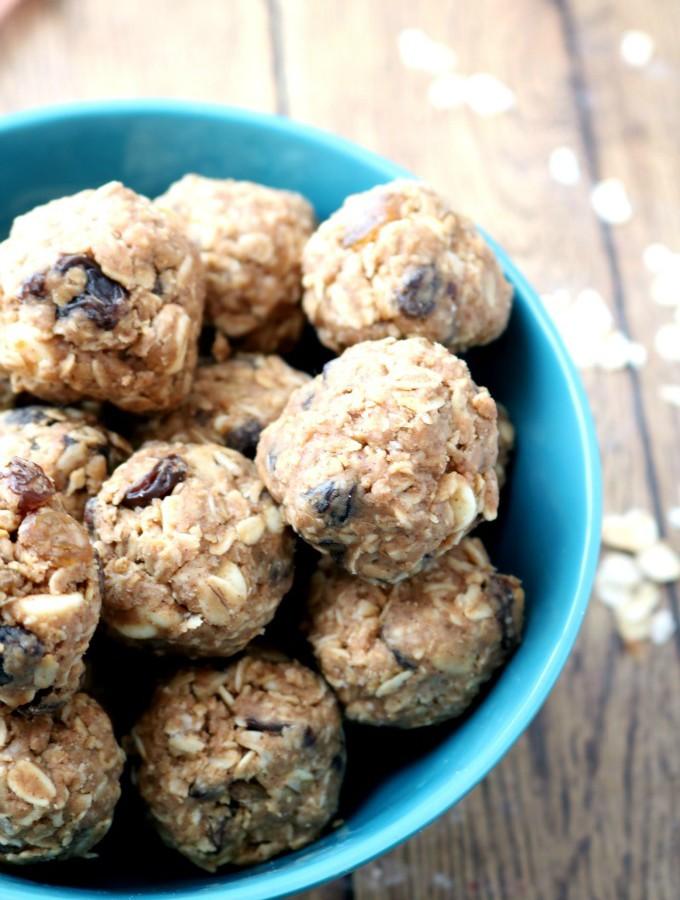 Healthy No Bake Oatmeal Energy Bites