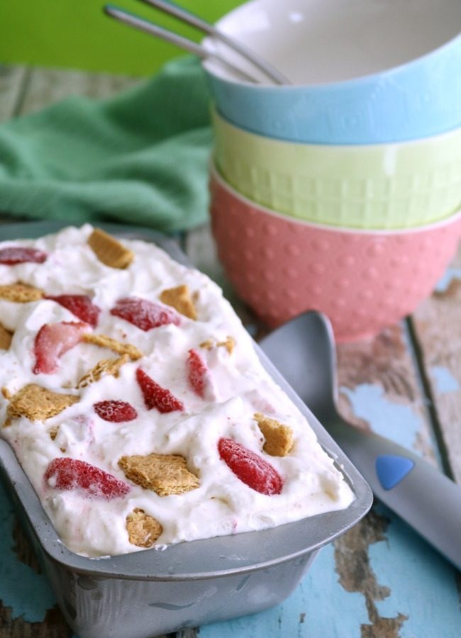 No-Churn Strawberry Cheesecake Ice Cream
