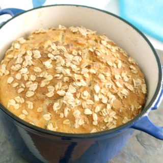 The Lazy Baker: No-Knead Oatmeal Bread