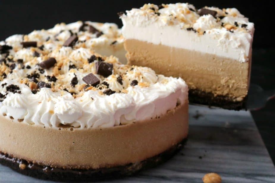 Throwing a party this summer? Cool off with this refreshing adult dessert - Frozen Mudslide Pie. Coffee liqueur, vodka, and Irish cream come together to form this amazing cocktail-inspired dessert. Your guests are going to totally love you for this - I promise!