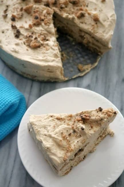 Chocolate Chip Cookies N' Cream Icebox Cake is easy & needs literally no cooking or baking!