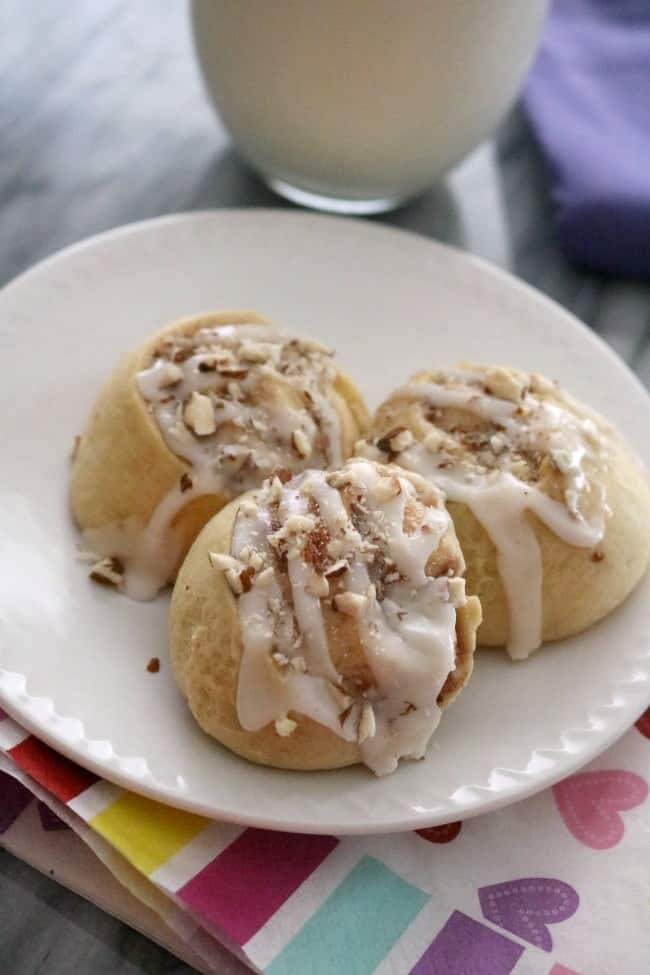 These Easy Raspberry Almond Sweet Rollsare filled with a cream cheese andraspberryfilling. These little buns are a favorite brunch pastry and use up some leftover ingredients in the refrigerator.