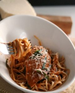 This bowl of super EASY Chicken in Rosa Vodka is a new date night favorite. Create your own vodka sauce in minutes!!